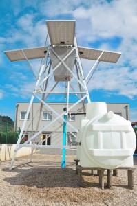 Solarbrunnen-Pumpstation mit Vorratstank